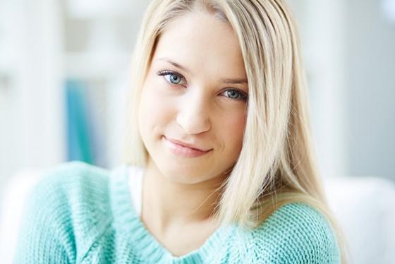 Portret blondynki- Oczu estetyka